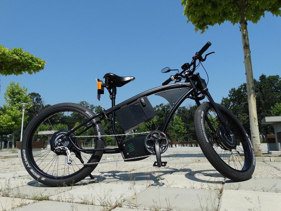 bici elettrica usata da uomo