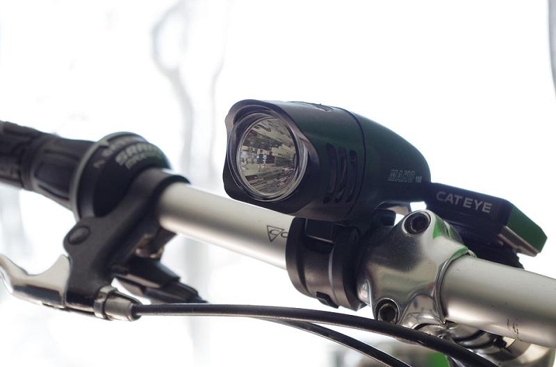 guidare la bici elettrica di notte