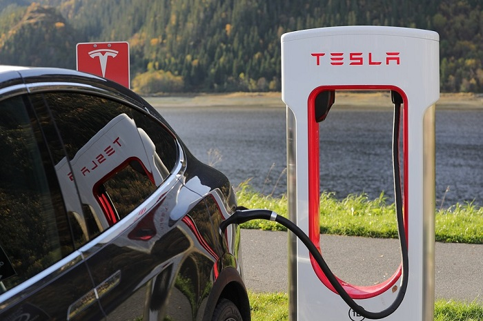 Batterie e-bike e Tesla: le strade si incrociano