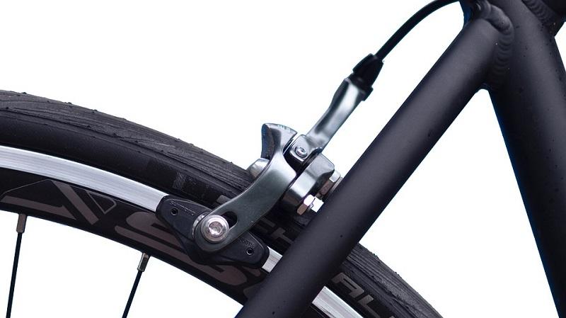 Quale pressione degli pneumatici dovrei avere sulla mia eMTB?